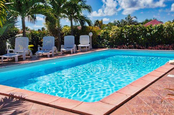 Location maison vacances avec piscine saint fran ois for Aspirateur piscine geant casino